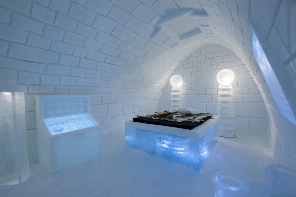 frankenstein occupies suite at icehotel sweden discover scandinavia. Black Bedroom Furniture Sets. Home Design Ideas
