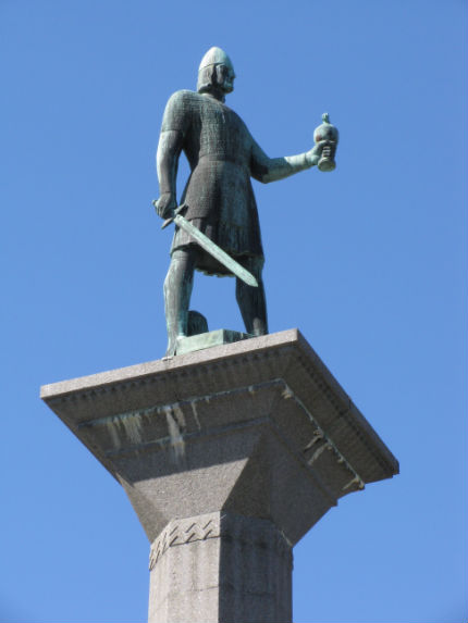 110814_Olav_Trygvasaon_Statue_Troindheim_Norway_Daily_Scandinavian