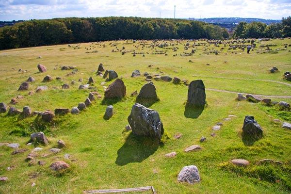 011214-lindholm-hoeje-viking-burial-sote-denmark