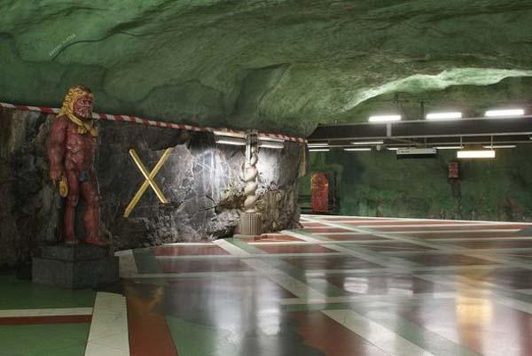 091214_Stockholm_Metro_Art_23