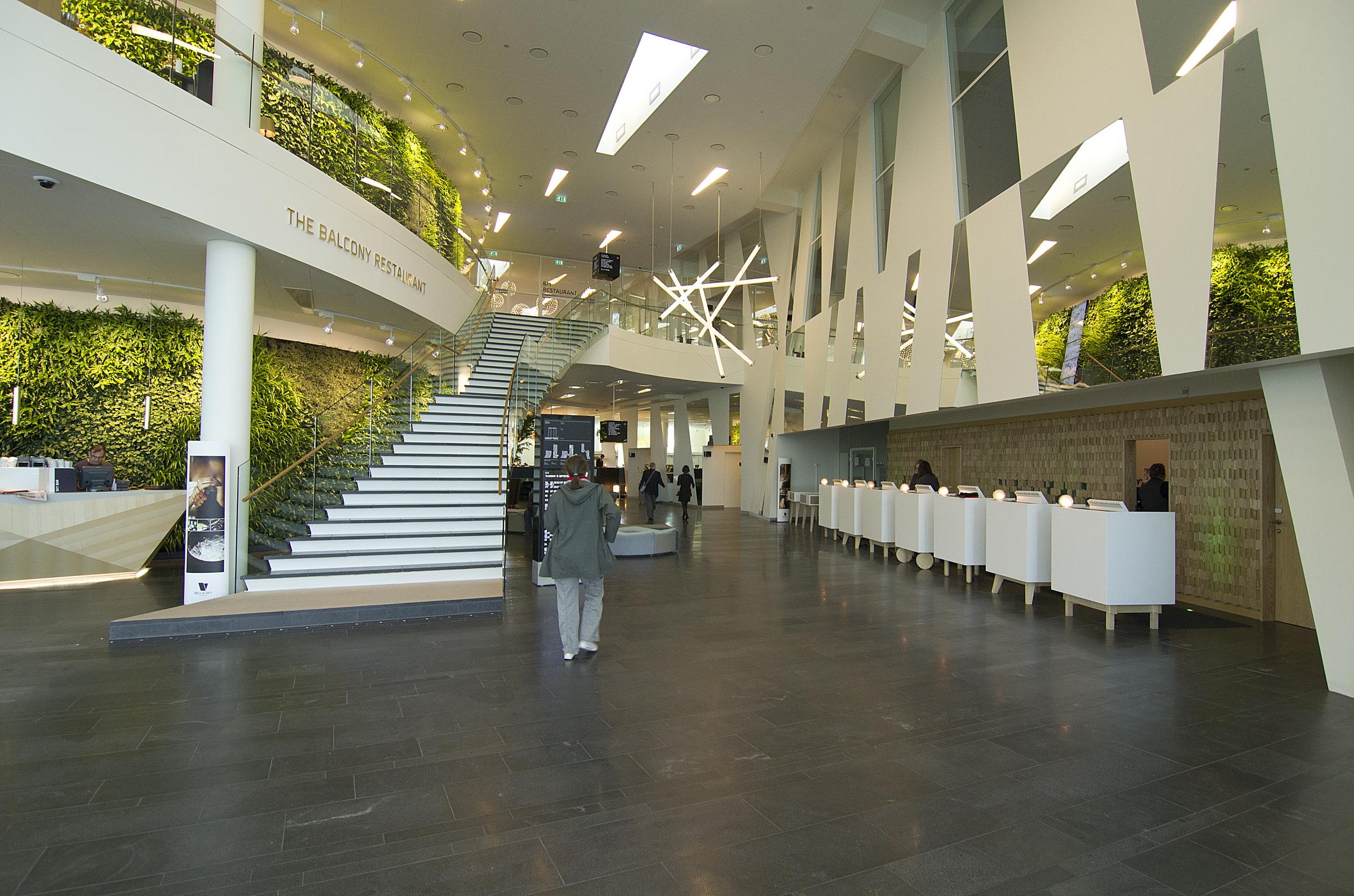 290115-Bella_Sky_Hotel_-_lobby