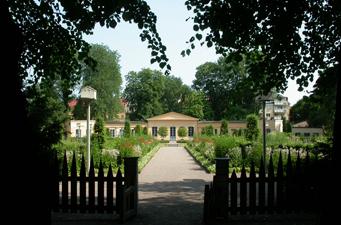 290415-linnaeus-garden-uppsala-sweden