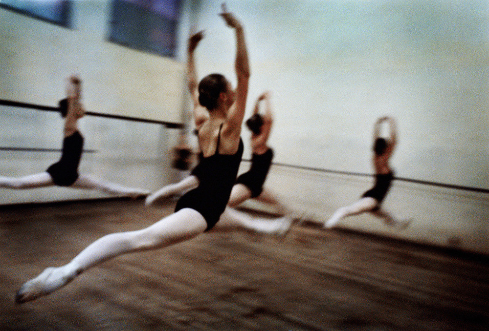 In 2006, Sjöström won first prize in World Press Photo Awards with her series about a ballet school in Moldova