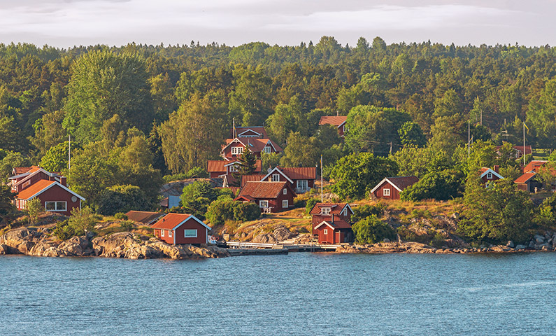 Steaming Out Among the Skerries in the Stockholm Archipelago