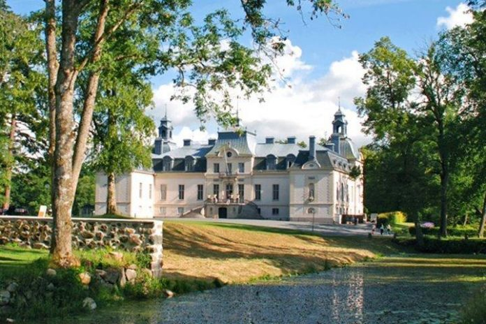 The Castles and Manor Houses in Southern Sweden