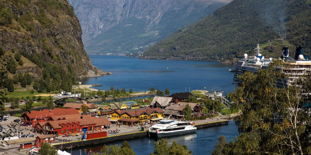 A Family Road Trip from Bergen to Flåm