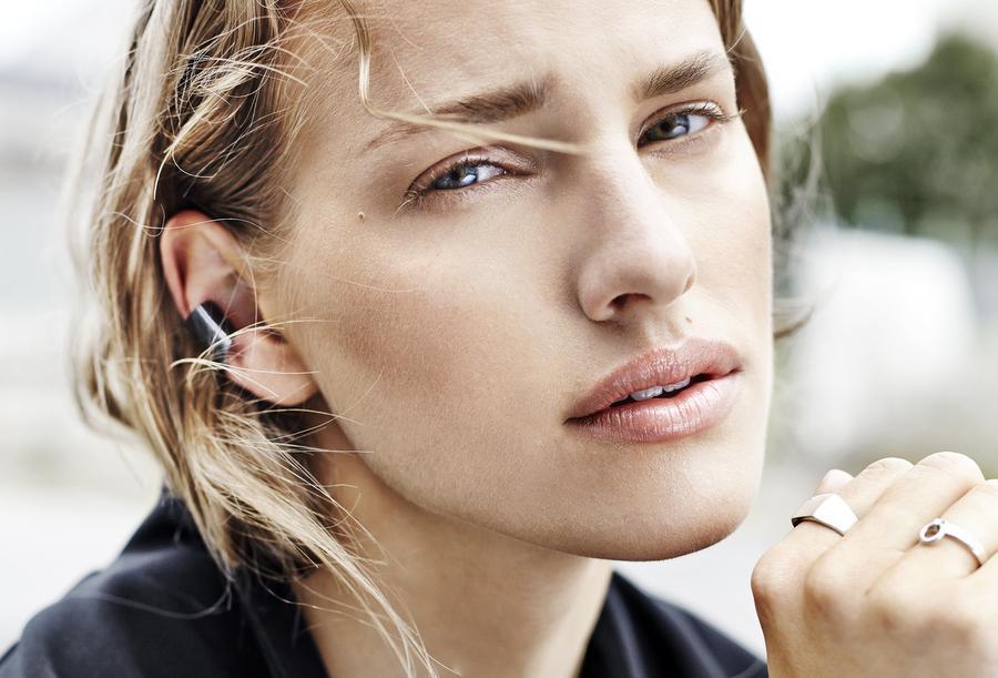 Norwegian Designer Creates Minimalist Jewelry in Silver