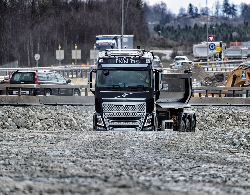 Norwegian Technology Solves Challenging Road Construction Logistics