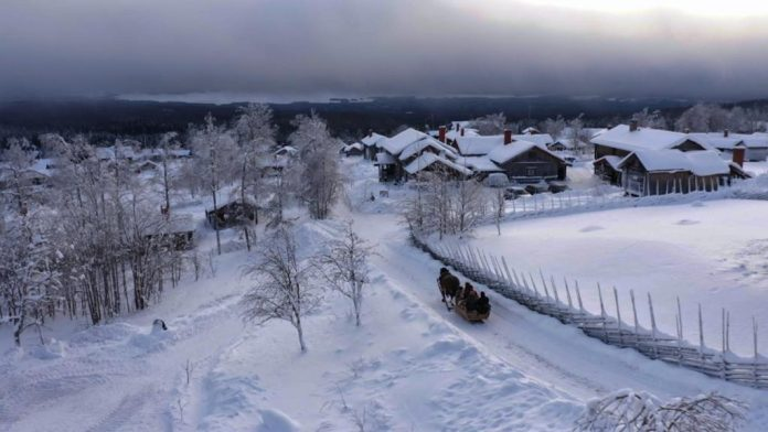 Enjoy Comfort and Luxurious Nature Experiences in a Marvelous Swedish Winter Landscape
