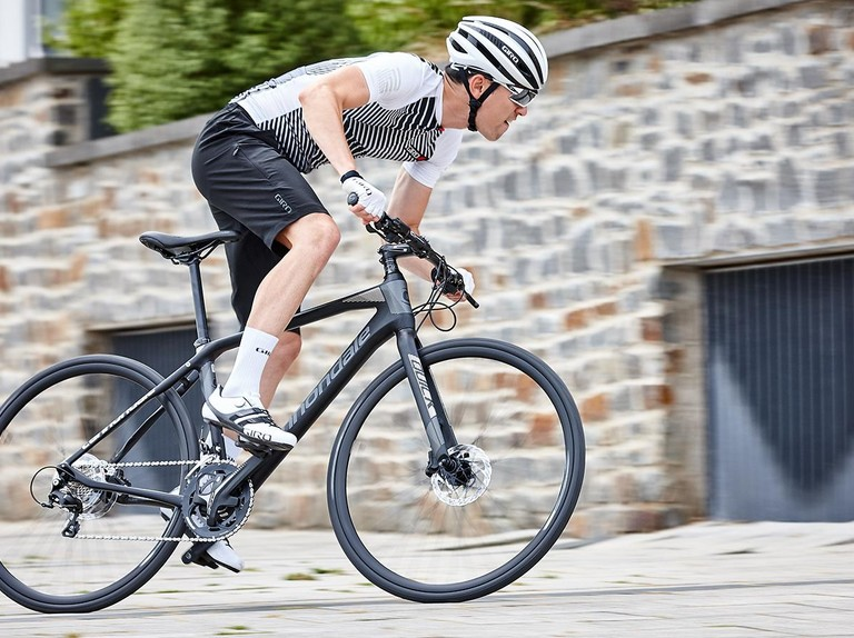 How to Choose a Specialized Hybrid Bike to Travel in Scandinavian Countries