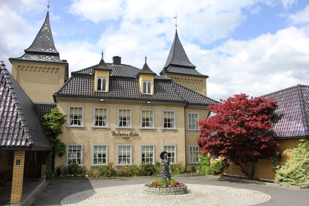 Majestic Luxury in Norway: A Hotel With Fascinating History and Top-Class Food and Wine